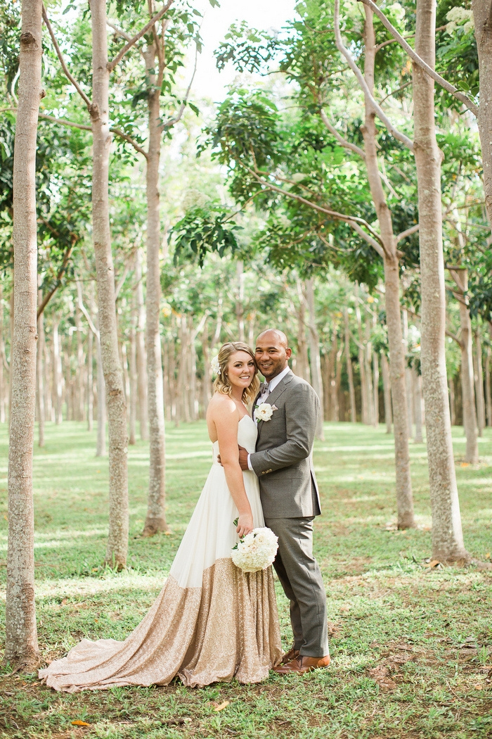 http://www.intimateweddings.com/wp-content/uploads/2016/07/intimate-kauai-hawaii-wedding-na-aina-kai-botanical-gardens-caitlin-shawn-34-700x1050.jpg