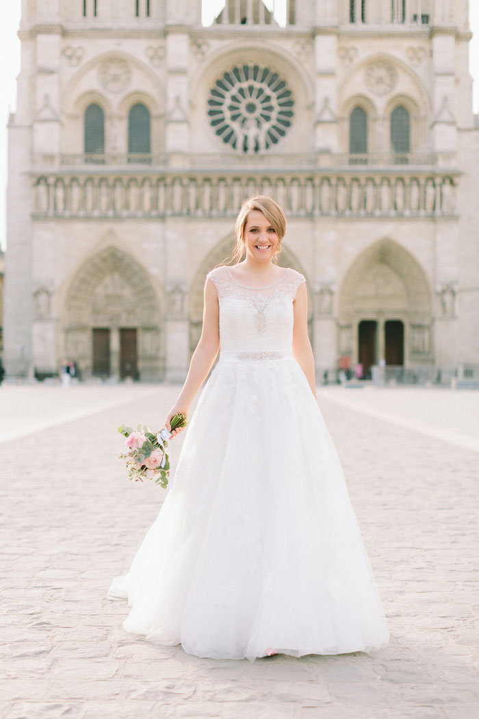 bride portrait in front of Notre Dame cathedral