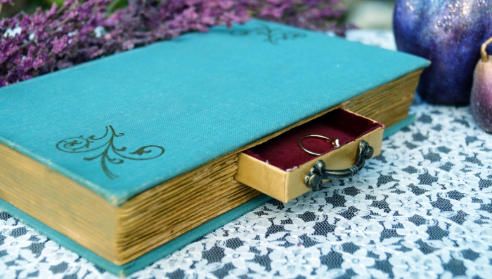 book worm ring box