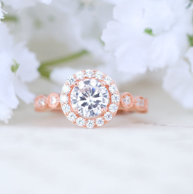 http://www.intimateweddings.com/wp-content/uploads/2016/08/rose-gold-engagement-ring-2.jpg