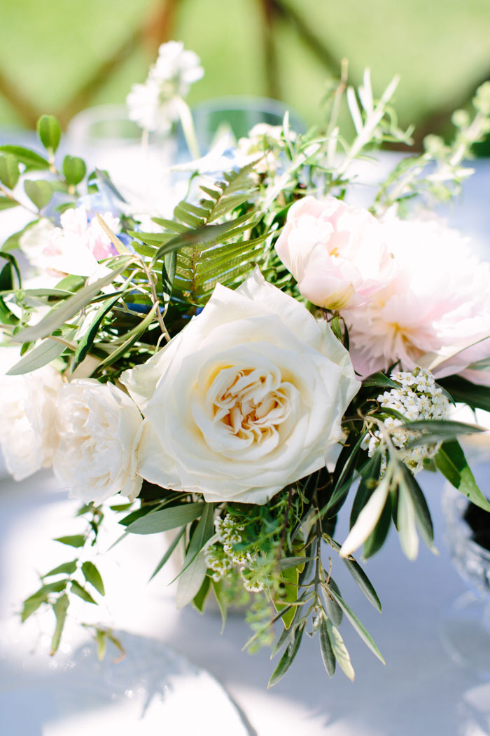 garden rose centrepiece