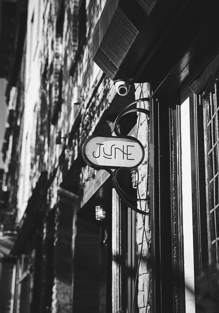 jne restaurant sign