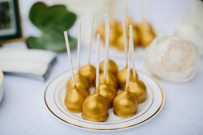 gold cake pops