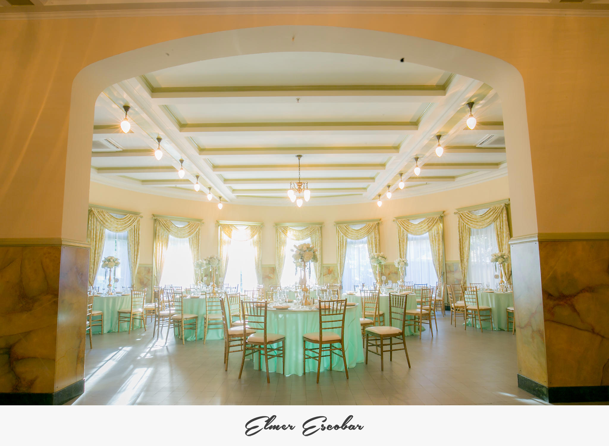 Beautiful-Castle-Green-Wedding-Photos-Jenn-and-Joe-85