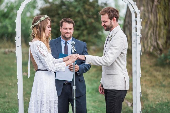Wisconsin-lighthouse-intimate-wedding-Marisa-Jim-17