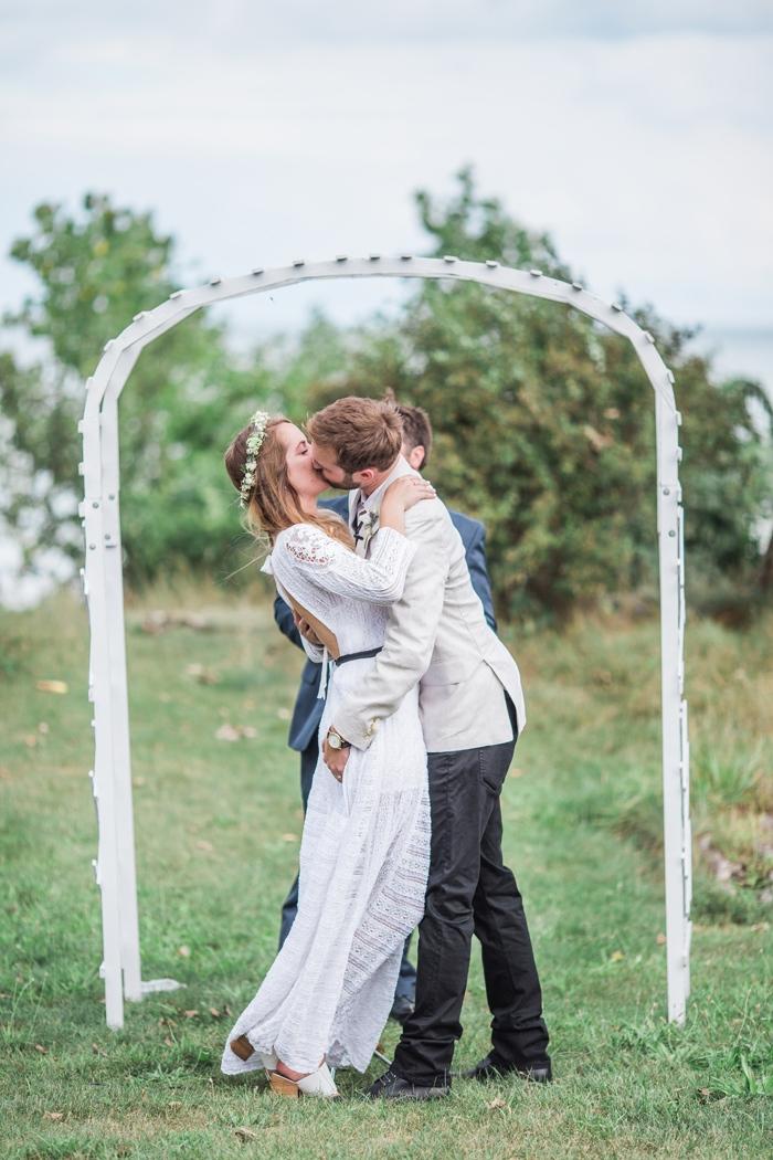 Wisconsin-lighthouse-intimate-wedding-Marisa-Jim-20