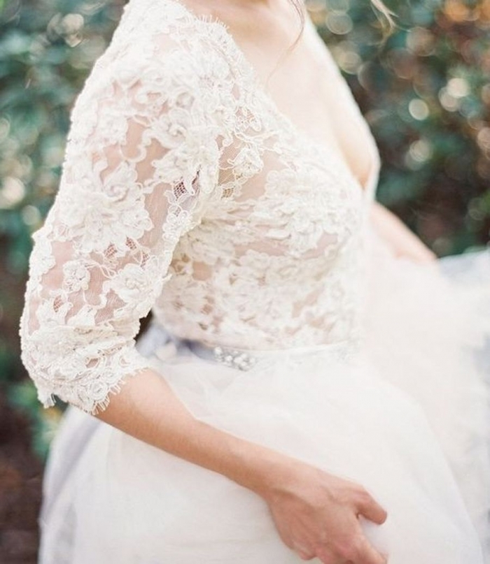 http://www.intimateweddings.com/wp-content/uploads/2016/10/lace-winter-dress-700x807.jpg