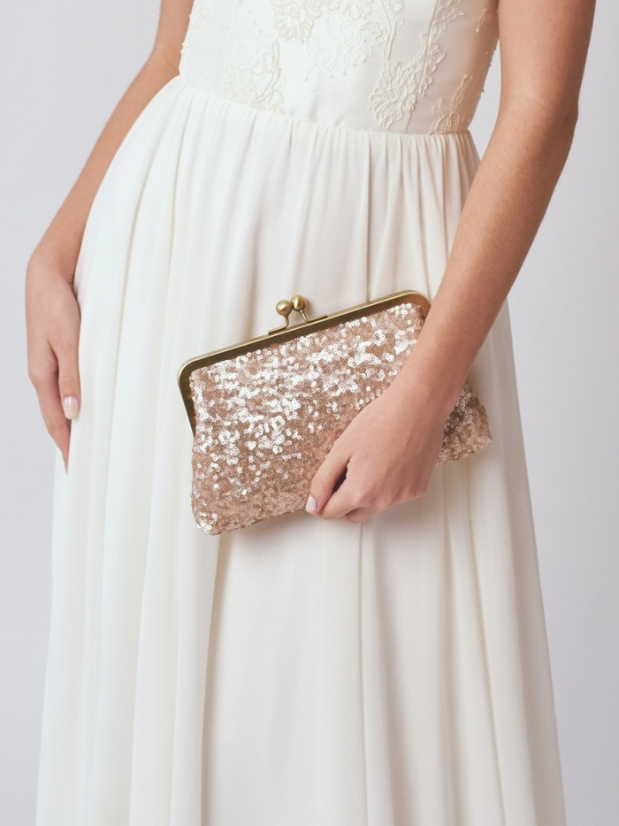 http://www.intimateweddings.com/wp-content/uploads/2017/01/clutch1-700x934.jpeg