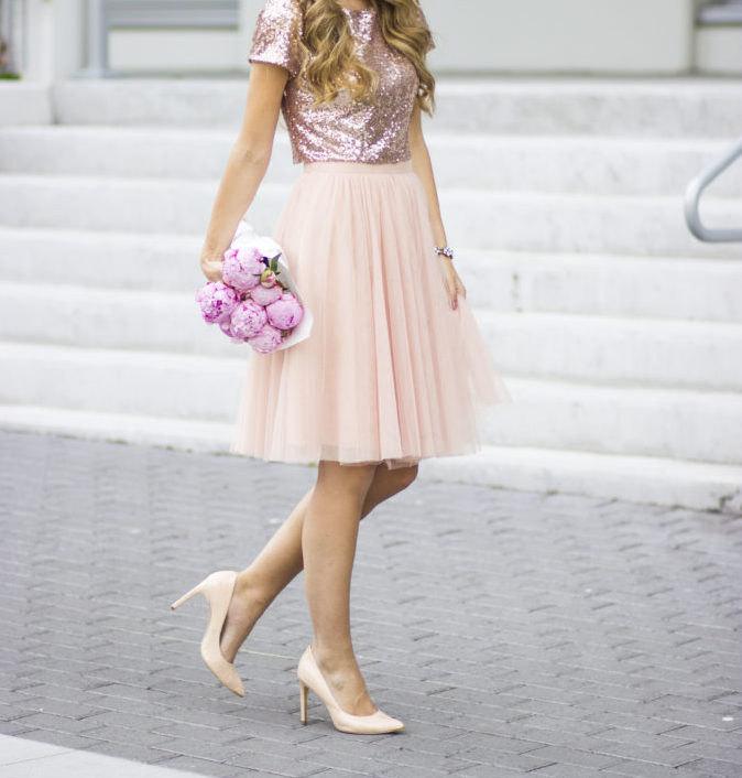 8 Radiant Rose Gold Dresses