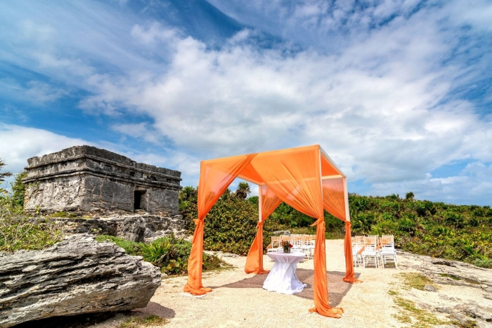 http://www.intimateweddings.com/wp-content/uploads/2017/02/occidental-xcaret-mexico-700x467.jpg