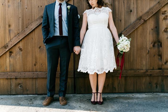 http://www.intimateweddings.com/wp-content/uploads/2017/03/Lancaster-PA-elopement-matthew-shannon-9-700x467.jpg