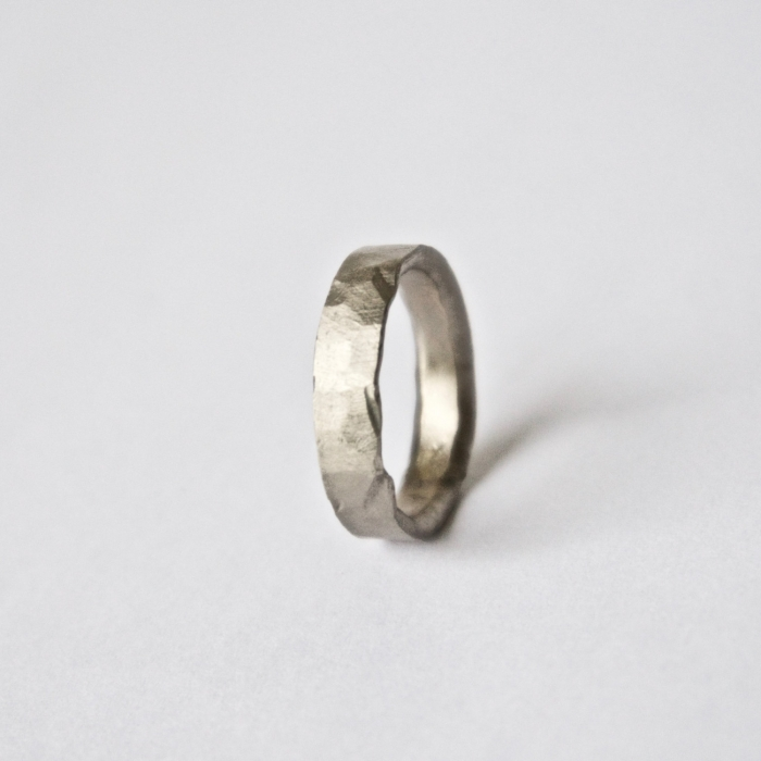 http://www.intimateweddings.com/wp-content/uploads/2017/03/hammered-white-gold-ring-700x700.jpeg