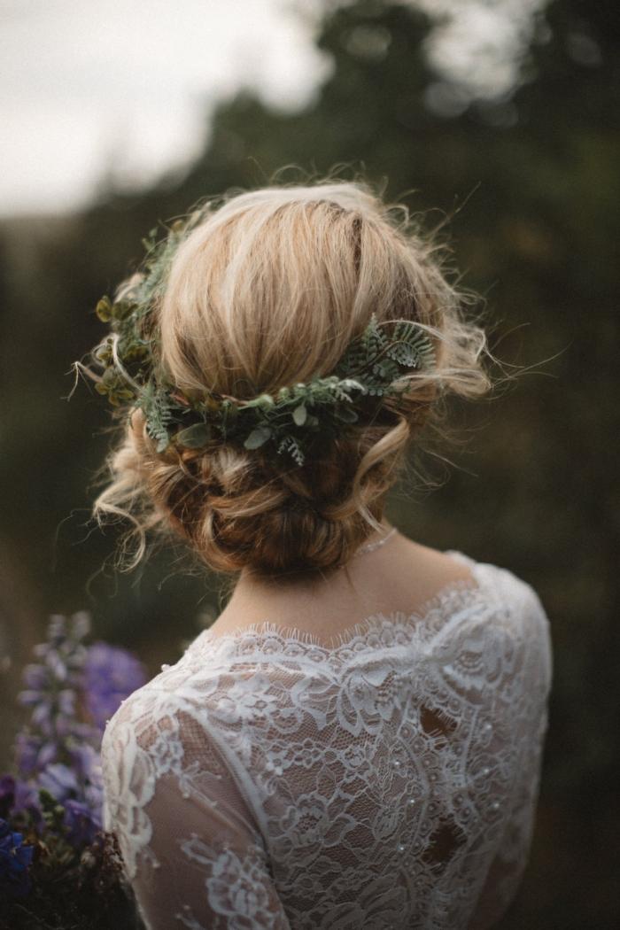 12 gorgeous handmade hair accessories intimate weddings small wedding blog diy wedding. Black Bedroom Furniture Sets. Home Design Ideas
