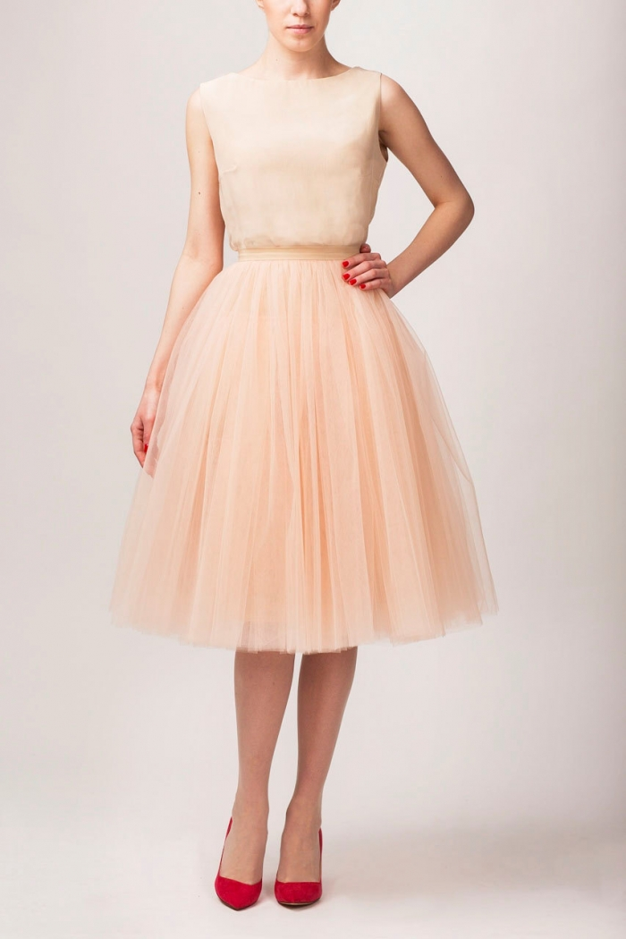 http://www.intimateweddings.com/wp-content/uploads/2017/05/peach-tulle-skirt-etsy-bridesmaid-700x1050.jpeg