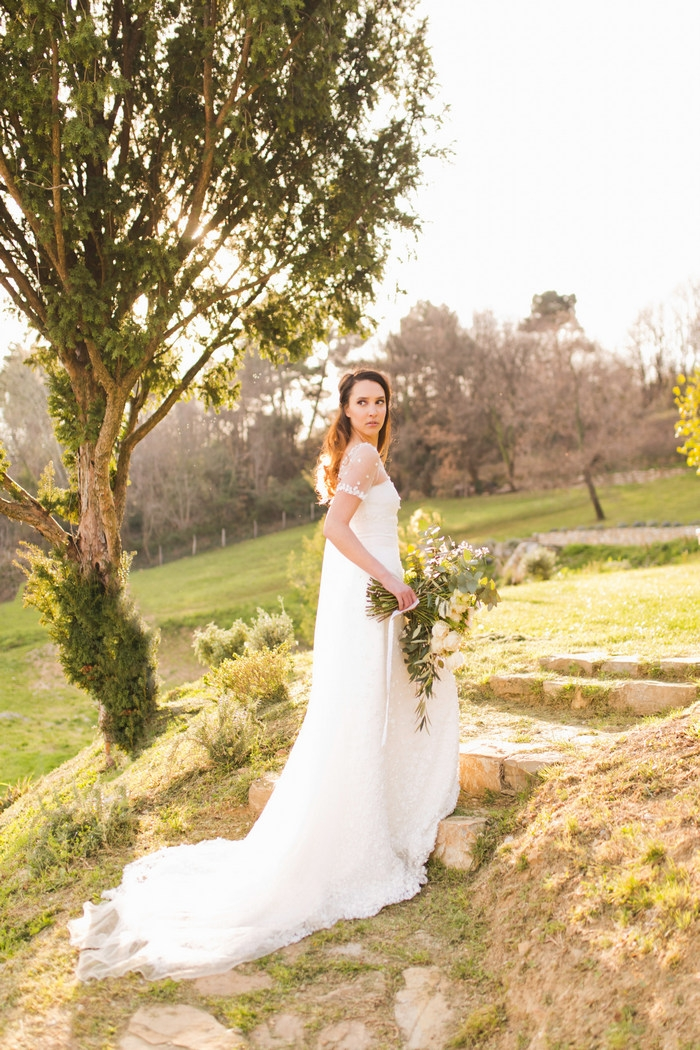 Romantic styled shoot in tuscany intimate weddings for Small intimate wedding ideas