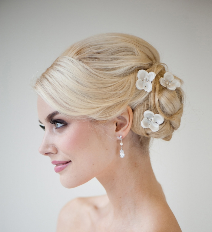 12 gorgeous handmade hair accessories bridalpulse dainty and elegant this bridal hair vine from noononthemoon needs to be part of your bridal look mightylinksfo