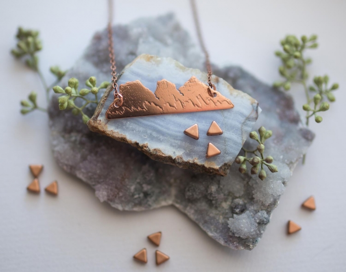http://www.intimateweddings.com/wp-content/uploads/2017/05/three-sisters-mountain-necklace-copper-wedding-etsy-700x549.jpeg