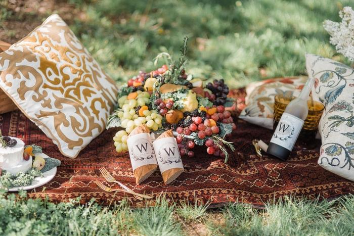 renoir picnic styled shoot