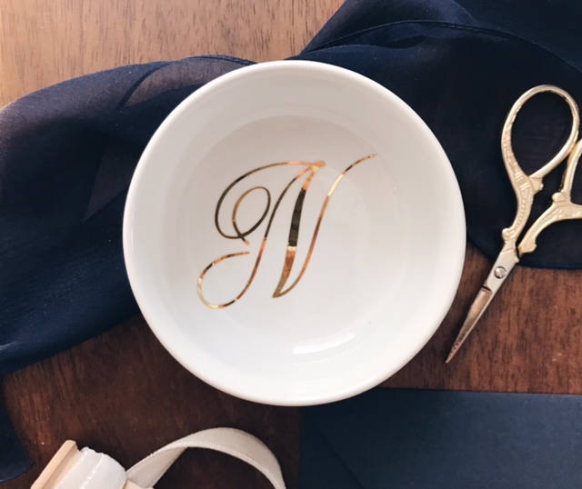 http://www.intimateweddings.com/wp-content/uploads/2017/07/monogrammed-gold-ring-dish.jpg