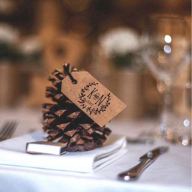 http://www.intimateweddings.com/wp-content/uploads/2017/10/pinecone-winter-wedding-favor.jpg