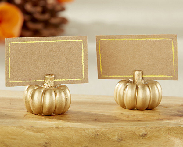 http://www.intimateweddings.com/wp-content/uploads/2017/10/pumpkin-place-cards.jpg