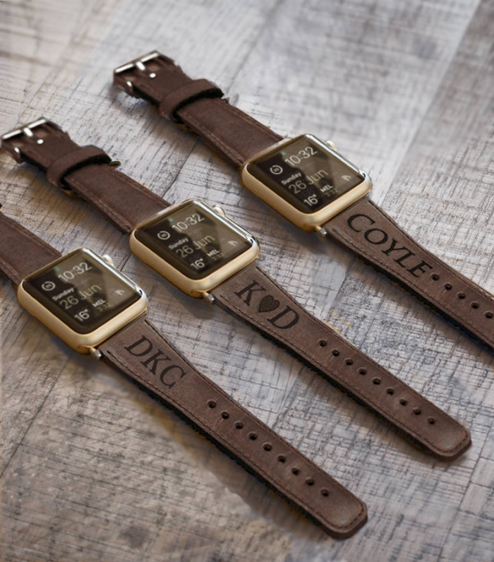 10 Personalized Leather Groomsmen Gifts Under 50 Intimate Weddings Small Wedding Blog Diy