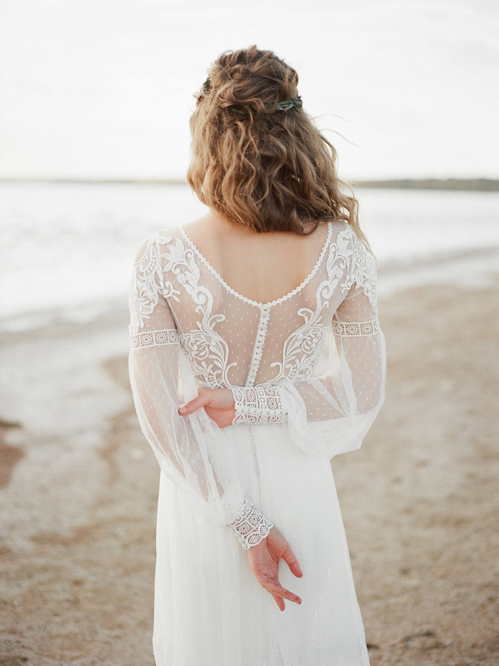 10 Breathtaking Long Sleeve Wedding Gowns Intimate