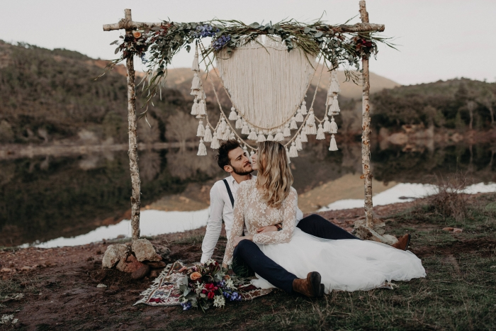 8 unique and awesome etsy finds for your wedding day intimate we love this boho altar decorated with two macrame curtains from knotsquared after the wedding the curtains can be used to decorate your home junglespirit Gallery