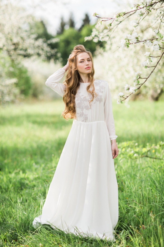 10 breathtaking long sleeve wedding gowns intimate for Small wedding dress ideas