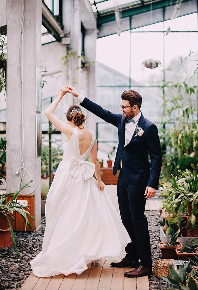 Bow Dacious Wedding Dresses From Etsy