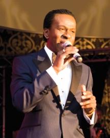 male singer2
