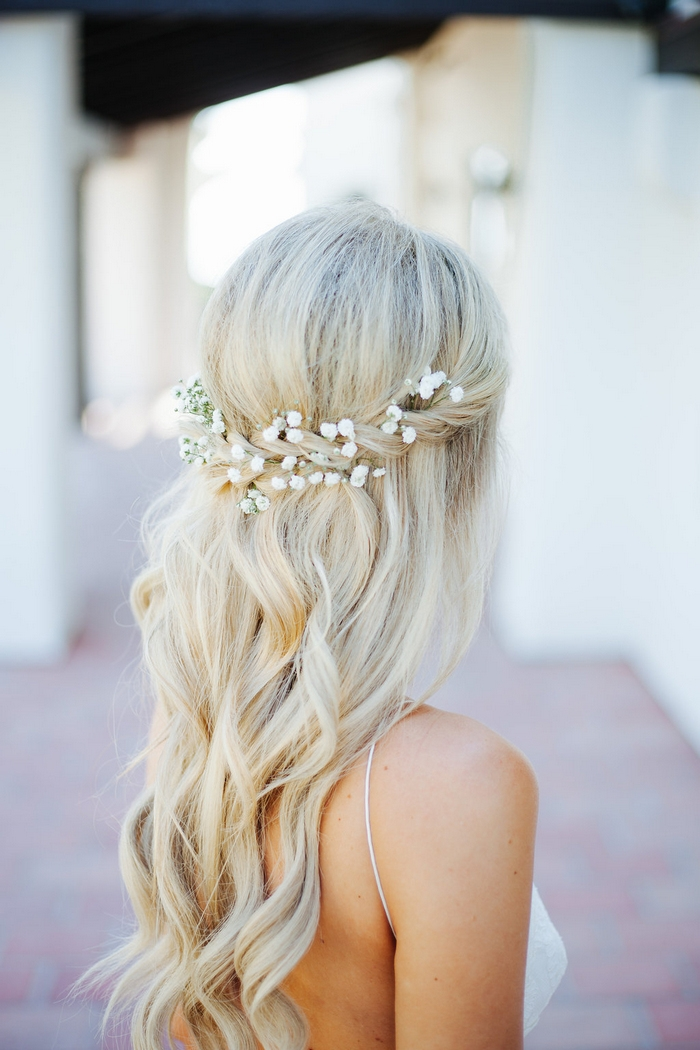 http://www.intimateweddings.com/wp-content/uploads/2018/08/babys-breath-bridal-floral-hairstyle-700x1050.jpg