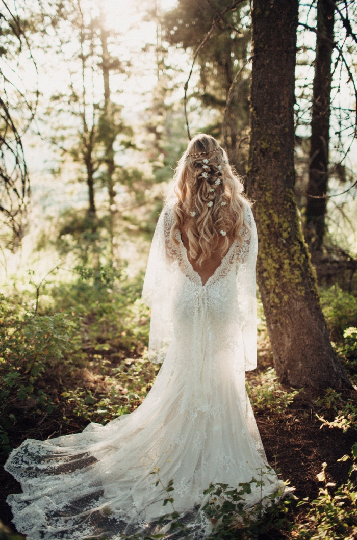 10 Beautiful Lace Wedding Dresses From Etsy
