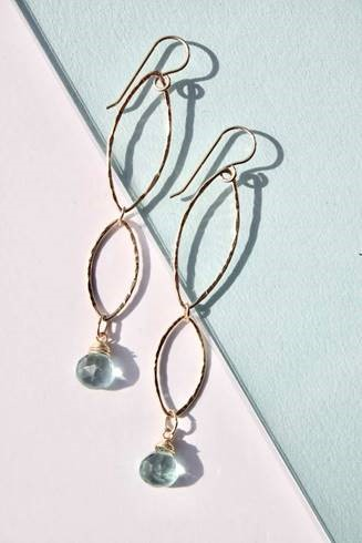 bridesmaid-jewelry-delicora-earrings-2