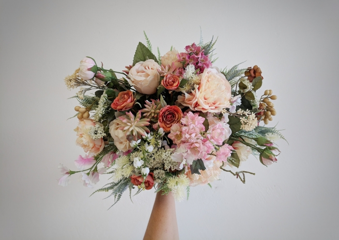 10 Beautiful Silk Wedding Bouquets From Etsy