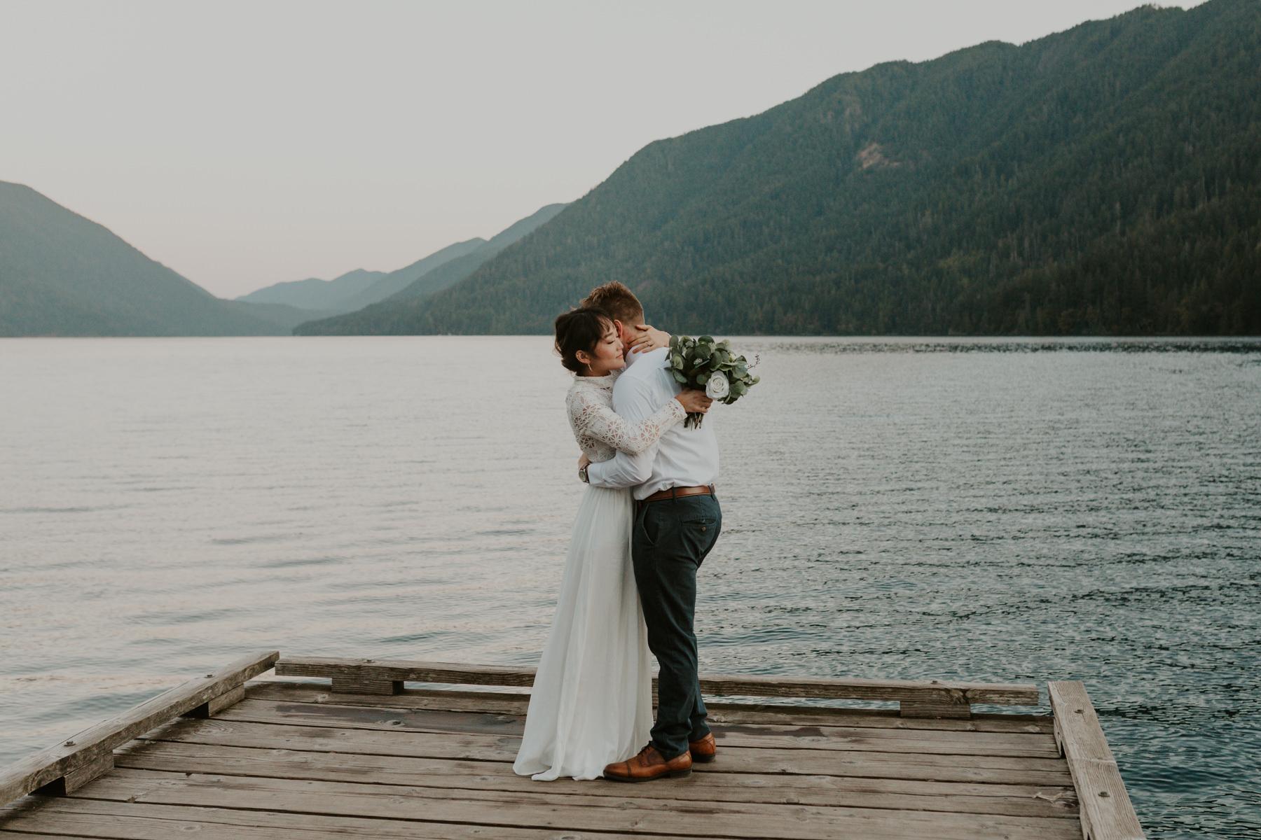 lake-crescent-elopement
